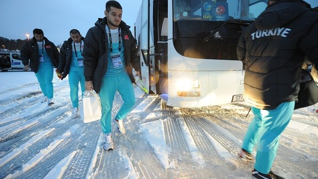 Buses for fans in Split due to snowfall