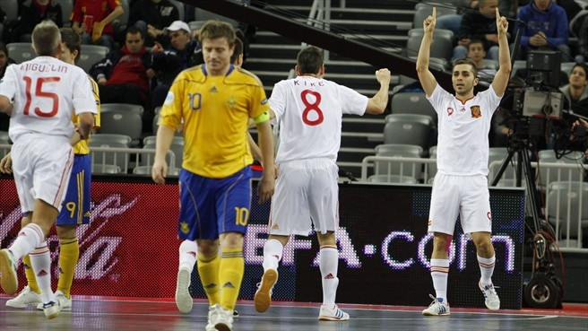 Spain find form to top Ukraine