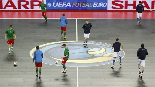 Italy and Portugal warm up