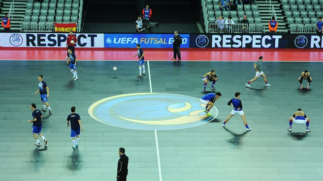 Italy and Croatia warm up