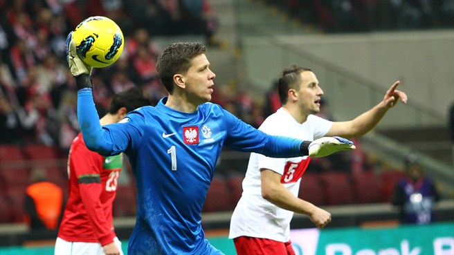 Szczęsny and Co pay tribute to Poland rearguard
