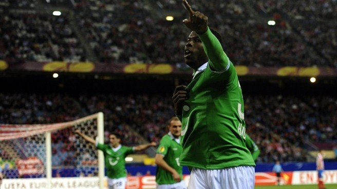 Diouf makes most of delayed Hannover move