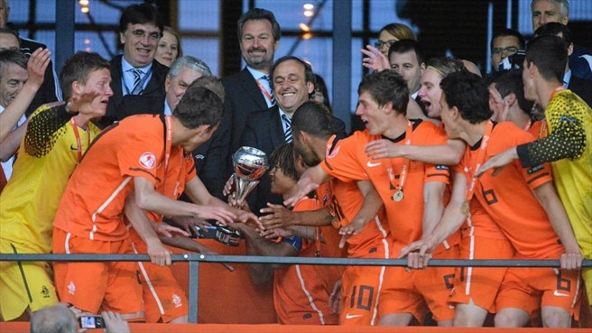 The Netherlands players celebrate victory