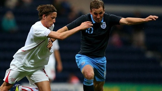 England edge Montenegro in Group 2