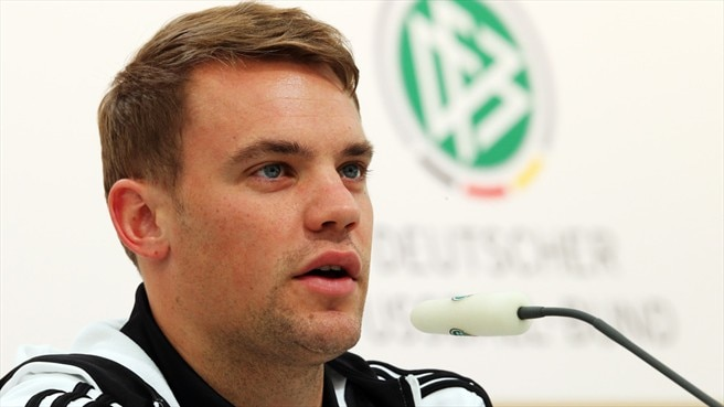 Neuer seeks swift remedy for Bayern pain