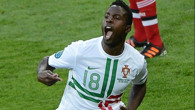 Last-gasp Varela revives Portugal's hopes