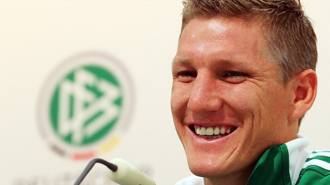 Germany's backward thinking suits Schweinsteiger