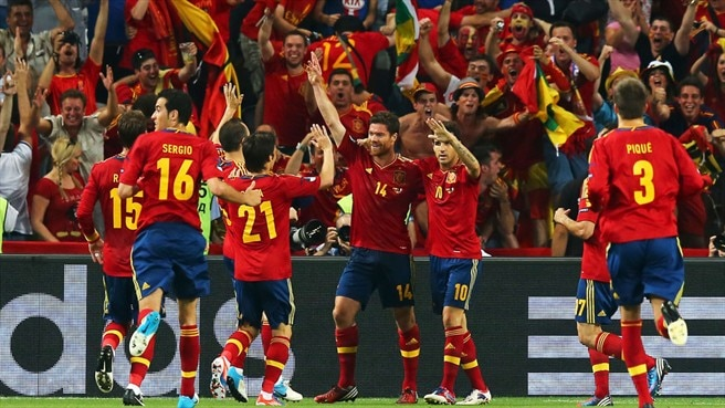 Centurion Alonso sends Spain into last four