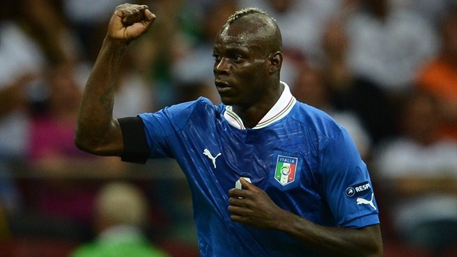 Balotelli sends Italy past Germany