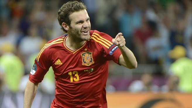 United make Mata record signing