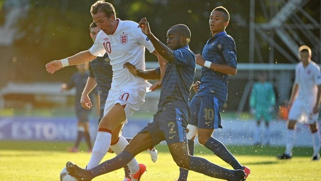 Harry Kane (England) & Dimitri Foulquier (France)