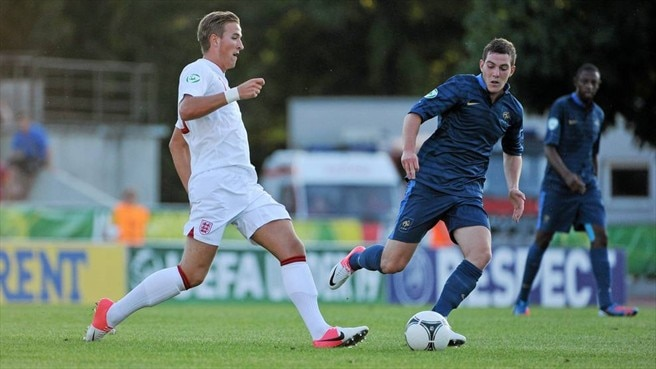 Harry Kane (England) & Jordan Veretout (France)