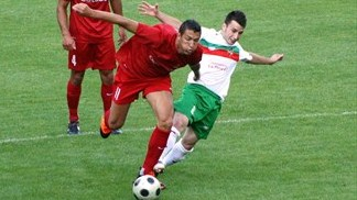 William Barbosa (Valletta FC) & Luis Pinto (FC Lusitans)