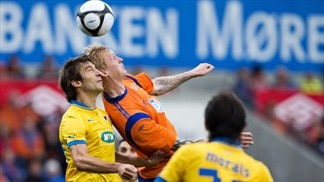 Haritz Borda (APOEL FC) & Sander Post (Aalesunds FK)