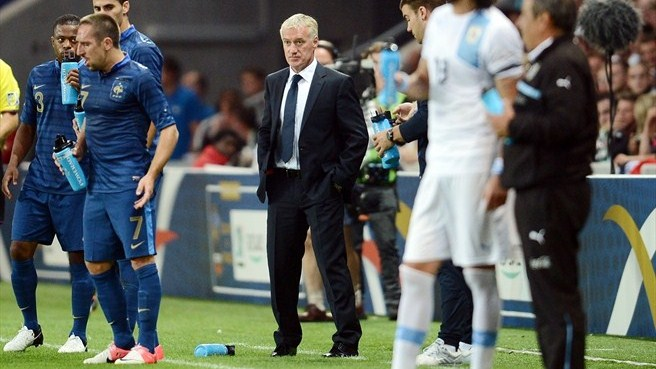 France stalemate marks Deschamps' debut