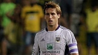 Anderlecht hold off Zulte Waregem to seal title