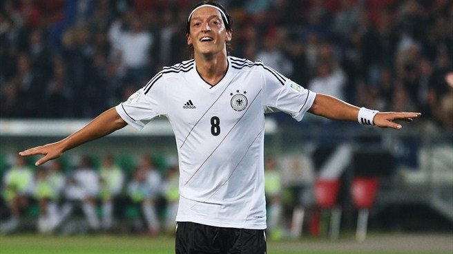 Özil eases Germany to the three points