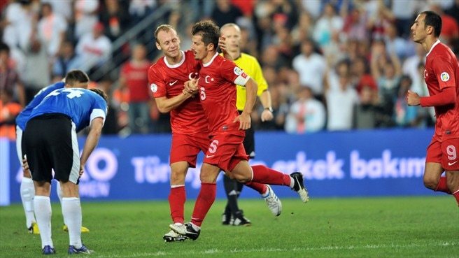 Turkey put three past ten-man Estonia