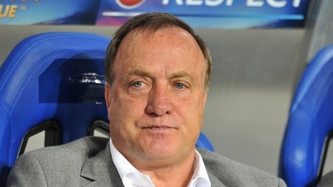 AZ name Advocaat as Verbeek's successor