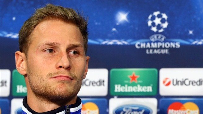Höwedes extends Schalke commitment