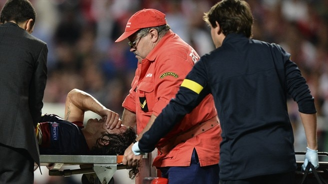 Elbow injury sends Puyol back to Barça sidelines