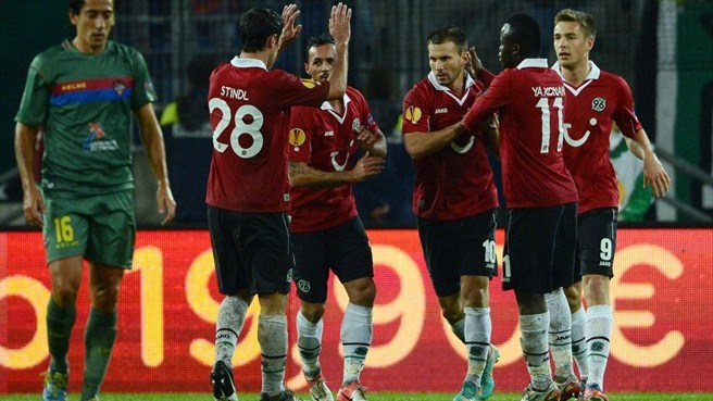 Ten-man Hannover outlast Levante