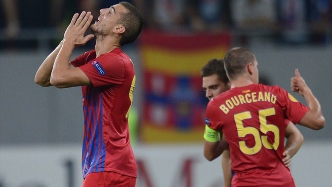 Steaua get touch of luck to edge København