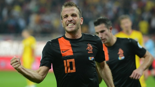 Clinical Netherlands brush aside Romania