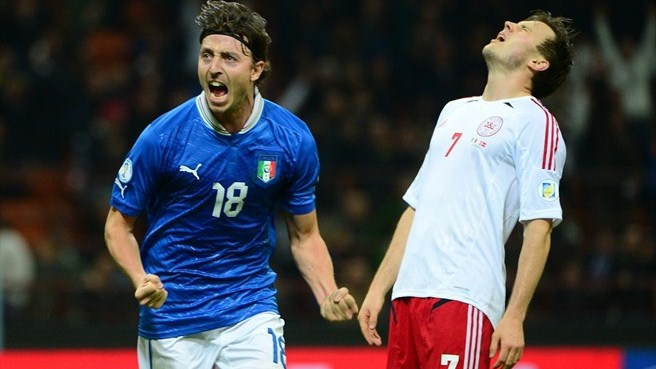 Ten-man Italy leave Denmark in the mire