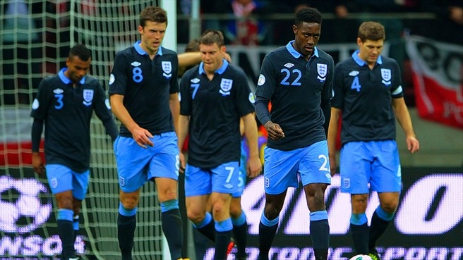 England players react after Poland equalise