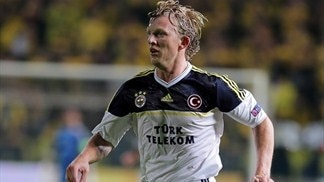Fenerbahçe's Kuyt takes it one game at a time