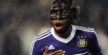Dieudonné Mbokani after putting Anderlecht in front