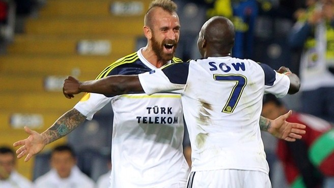 Fenerbahçe on the brink with AEL scalp
