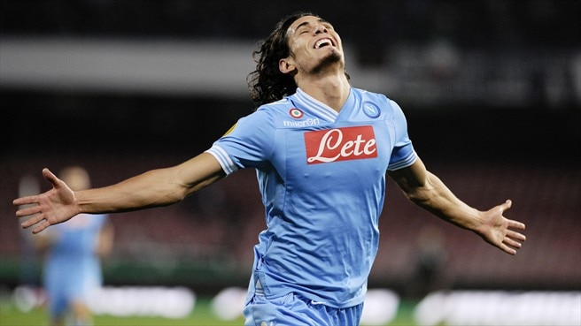 Dnipro succumb to Napoli and four-goal Cavani