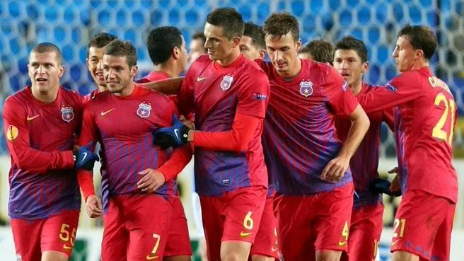 Steaua see off Molde to close in on qualification