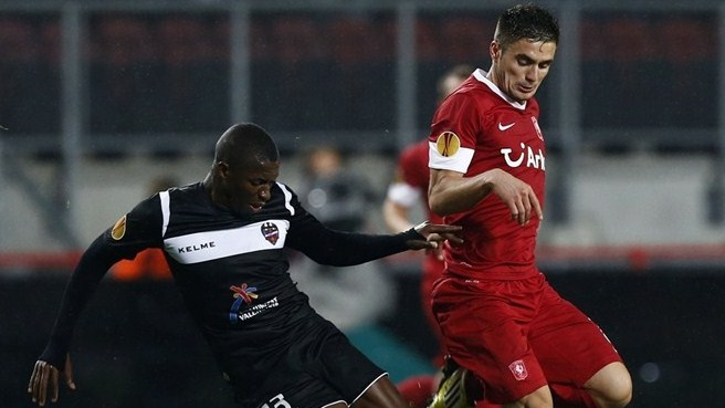 Twente held by stubborn Levante