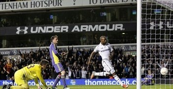 Jermain Defoe completes his hat-trick against Maribor