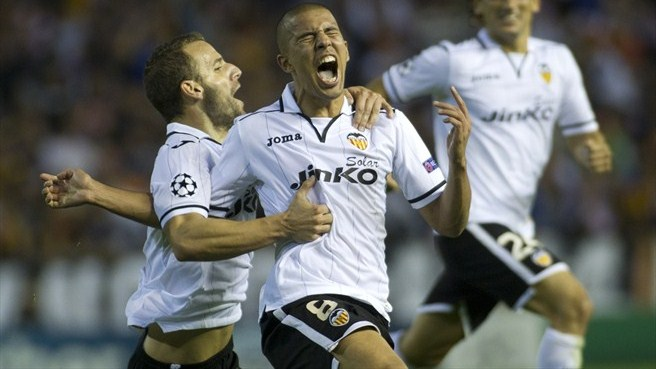 Valencia tie down in-form Feghouli