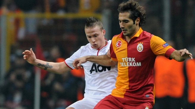 Tom Cleverley (Manchester United FC) & Hamit Altıntop (Galatasaray AŞ)