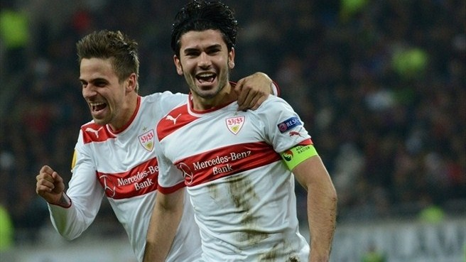 Stuttgart stun Steaua to remain in the hunt