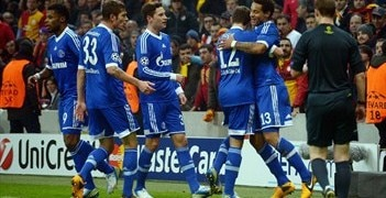 Schalke enjoy Jermaine Jones' goal in Istanbul