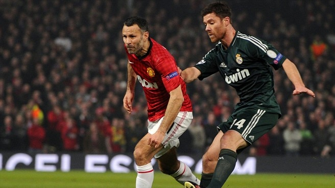 Ryan Giggs (Manchester United FC) & Xabi Alonso (Real Madrid CF)