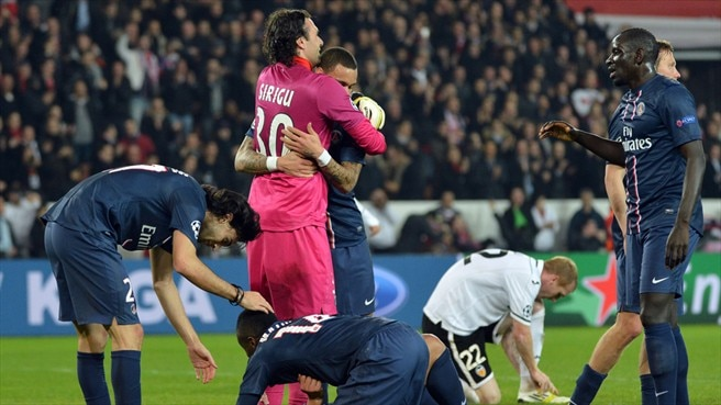Paris Saint-Germain FC players celebrate