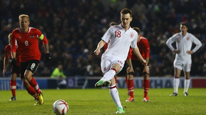England extend run against nine-man Austria