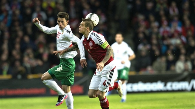 Agger pegs back Bulgaria for Denmark