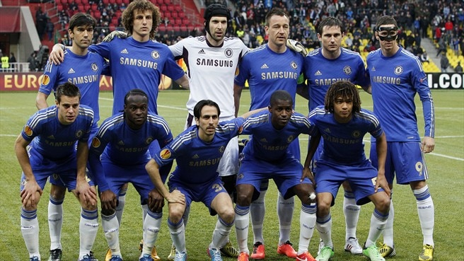 Chelsea FC players line up
