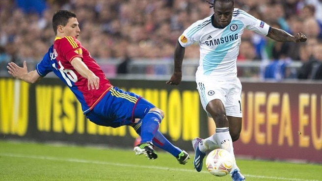 Victor Moses (Chelsea FC) & Fabian Schär (FC Basel 1893)