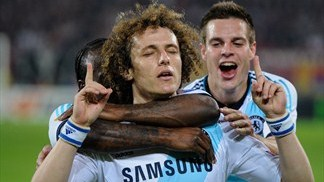Last-gasp Luiz strike leaves Chelsea in charge