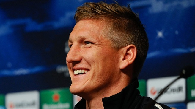 Schweinsteiger wary of 'wounded' Barcelona