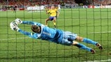 Full shoot-out: See how Netherlands beat Sweden at UEFA EURO 2004